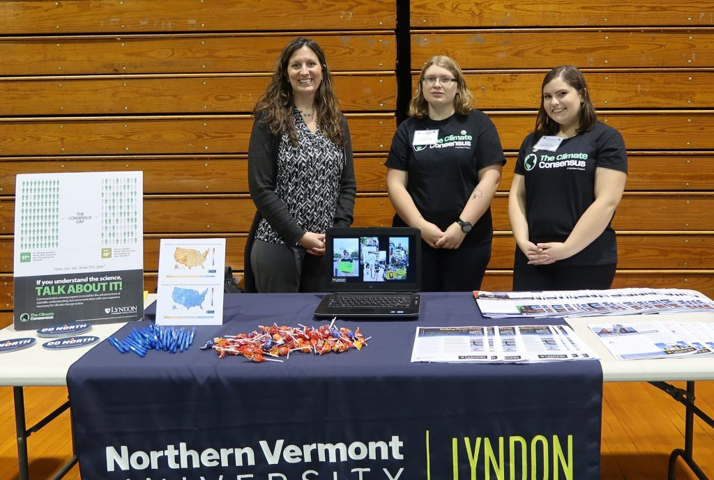 Atmospheric science students at the 2017 Youth Environmental Summit